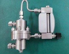 恒压式气体微流量计的测量误差分析